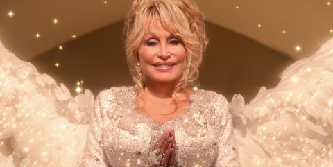 dolly parton christmas on the square netflix