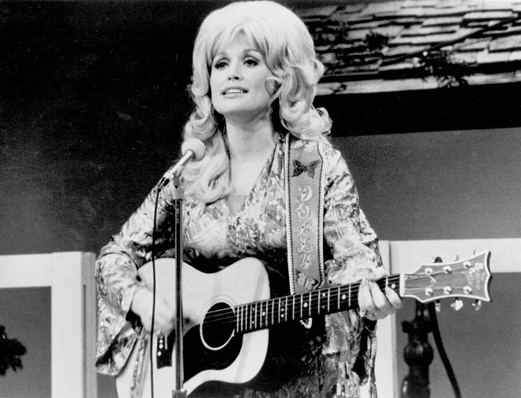 15 Dolly Parton Young Pictures - Photos of Dolly Parton When She ...