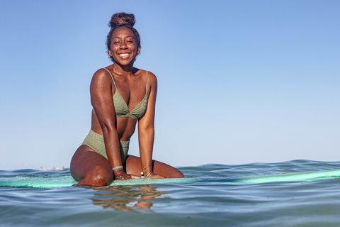 dominique miller surfing