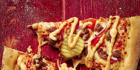 Domino S Is Now Selling Cheeseburger Pizza Domino S Uk Pizza Cheeseburger