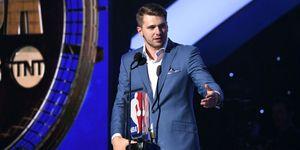 Luka Doncic mejor rookie del año NBA