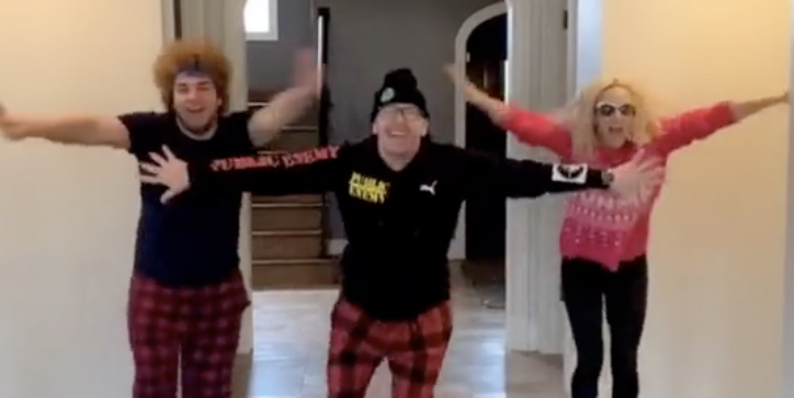 Jenny McCarthy and Donnie Wahlberg Did a TikTok Dance Together and We're So Impressed