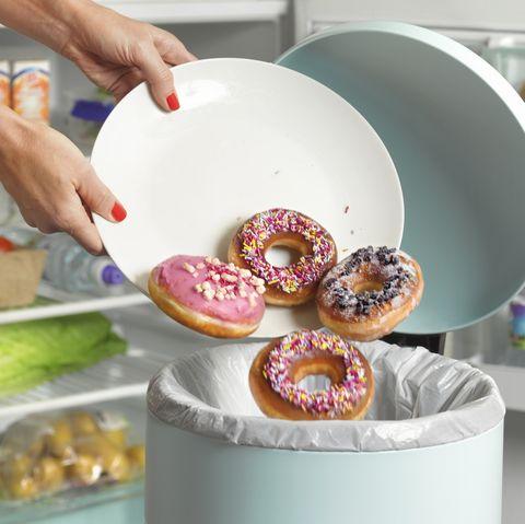Food, Doughnut, Dishware, Dish, Porcelain, Plate, Cuisine, Tableware, Baking, Finger food,