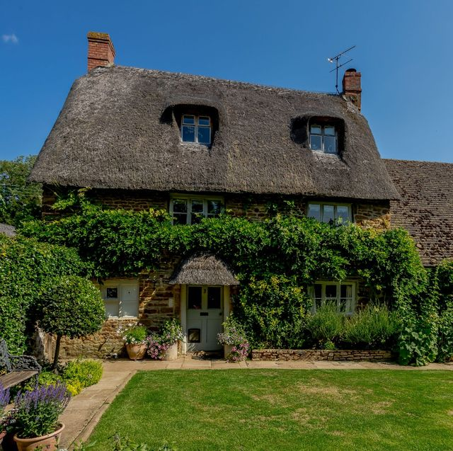beautiful grade ii listed cottage in the cotswolds village of hook norton is for sale