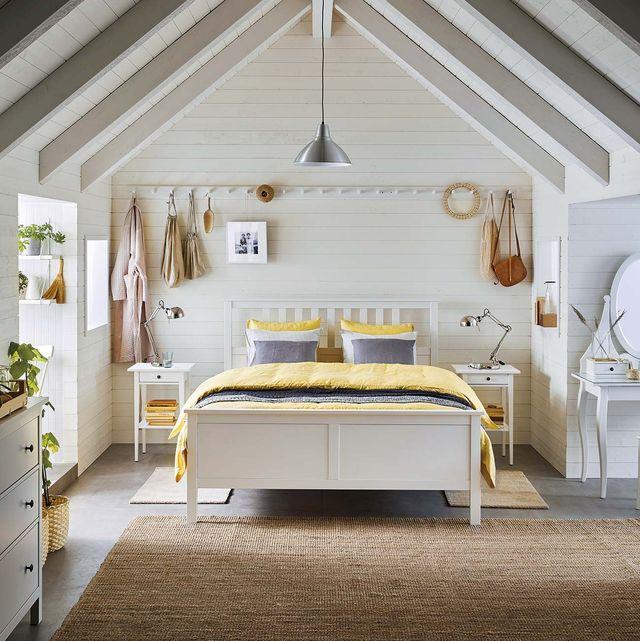 dormitorio blanco abuhardillado