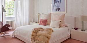 Dormitorio elegante en rosa