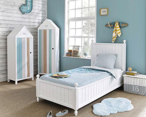 Dormitorio infantil con aires marineros