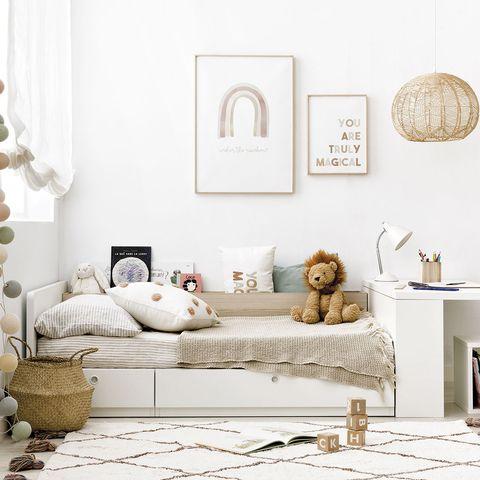 dormitorio infantil con cama convertible