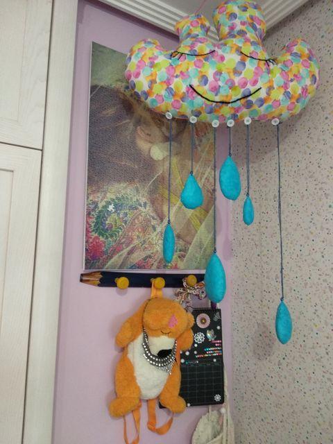 Dormitorio infantil decorado en tonos lila