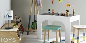 Dormitorio infantil: Mesa de juegos reversible