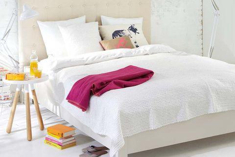 Dormitorio femenino estilo nórdico