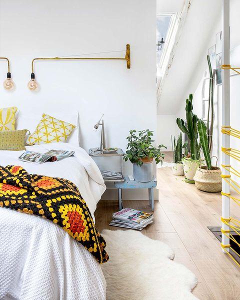 piso en lavapiés mesilla dormitorio