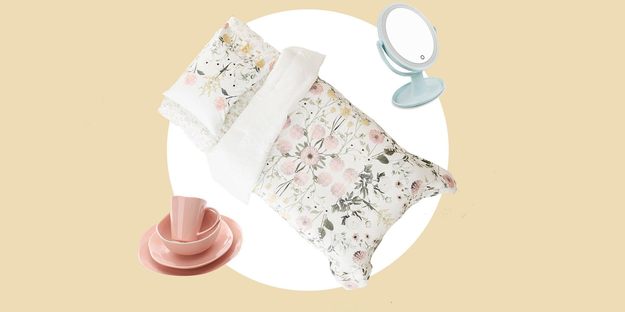 29 College Dorm Room Essentials 2019 Cute College Dorm Items