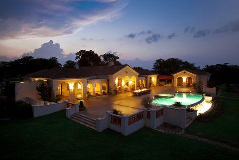 Property, Home, House, Lighting, Estate, Real estate, Sky, Backyard, Swimming pool, Resort,