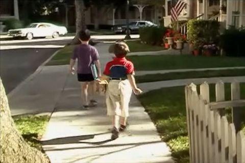 Dylan Minnette en 'Dos hombres y medio'