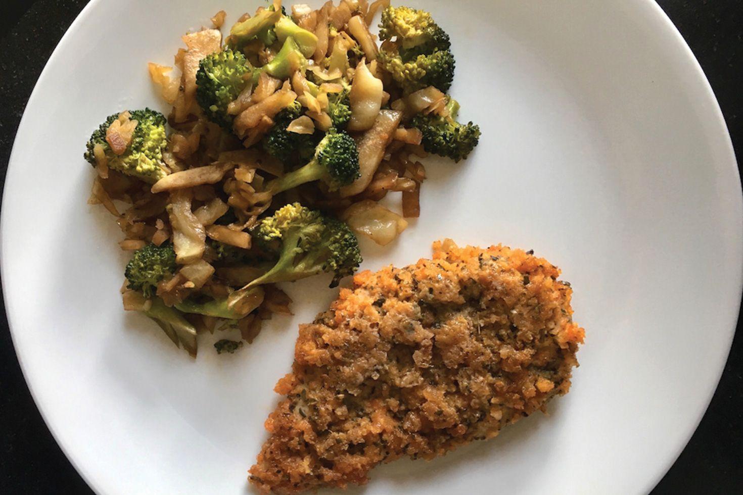 Chicen breast and sauteed broccoli