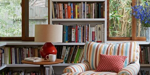 bookshelf styling ideas - How To Decorate Bookshelves