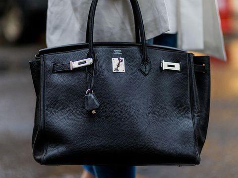 76e2fd20ed Una collezione di capi evergreen non è completa se non si possiede (almeno)  una Birkin. È la It-Bag per eccellenza, uno status symbol, un gioiello di  alta ...