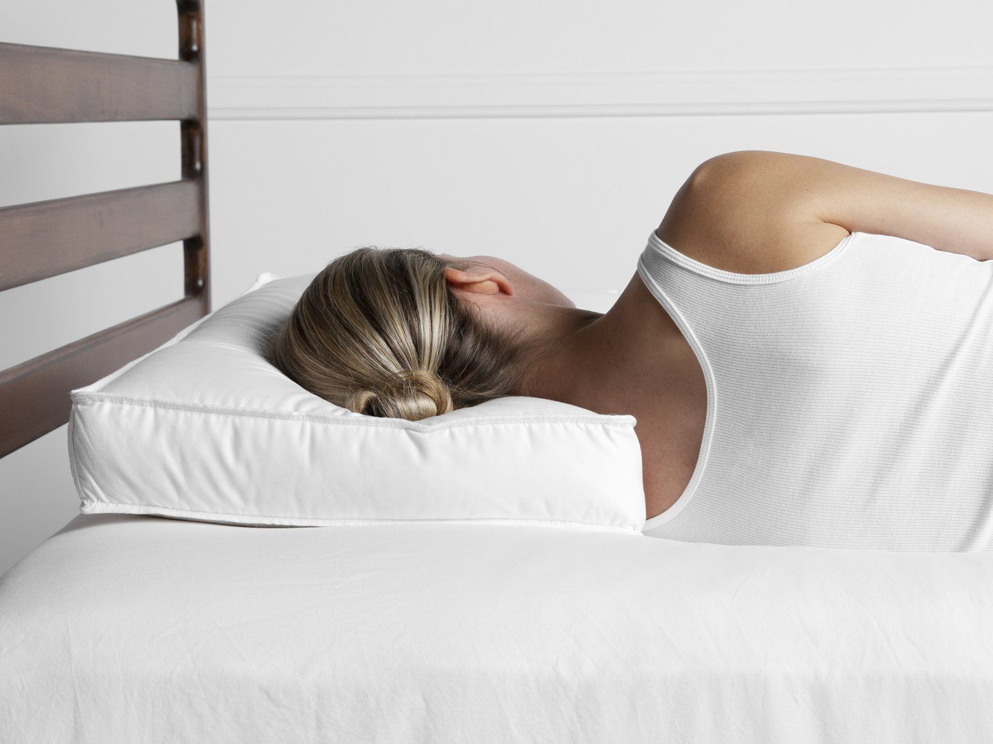 I Tried Parachute's New Side Sleeper Pillow, and I'm Obsessed