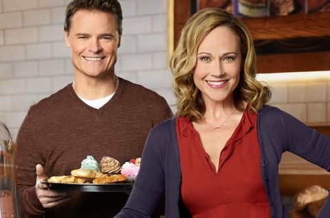 Entertaining Christmas Cast.Hallmark Is Casting For New Holiday Baking Show Airing This Year