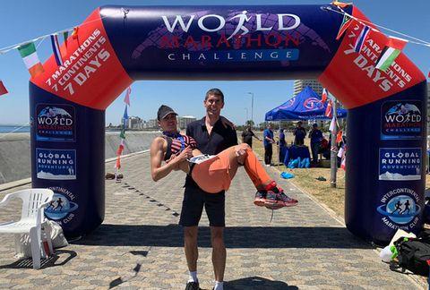 Nederlands echtpaar voltooid bizarre huwelijksreis, 7 marathons op 7 continenten in 7 dagen.