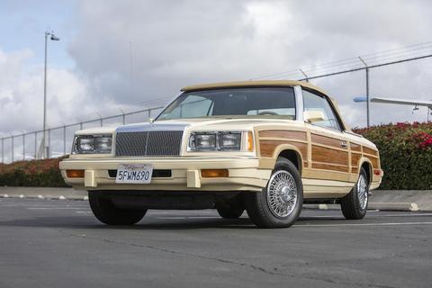 Land vehicle, Vehicle, Car, Sedan, Full-size car, Classic car, Coupé, Hardtop,