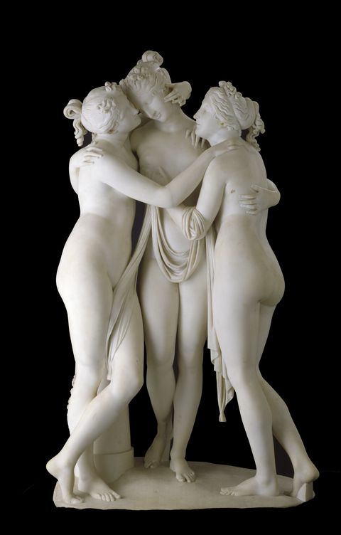 the three graces marble front view with first base plinth only
