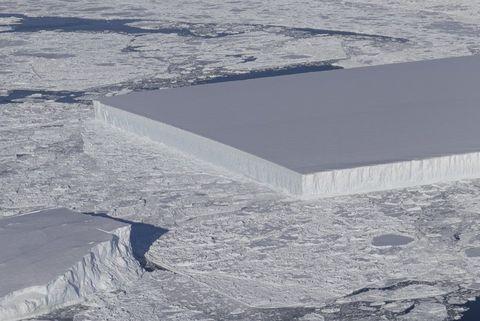 Ice, Natural environment, Arctic, Winter, Arctic ocean, Sky, Ocean, Sea ice, Snow, Sea,