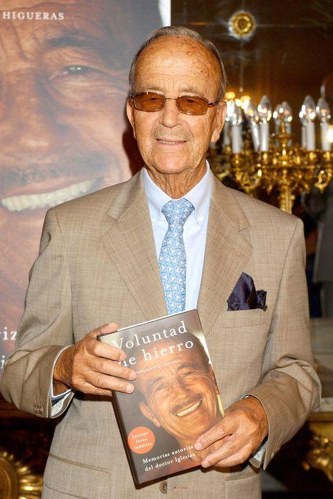 "dr julio iglesias puga launches his autobiography ""voluntad de hierro"""