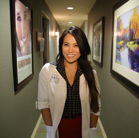 Dr. Pimple Popper Sandra Lee Bursting Doctor Becomes 'Pop' Star