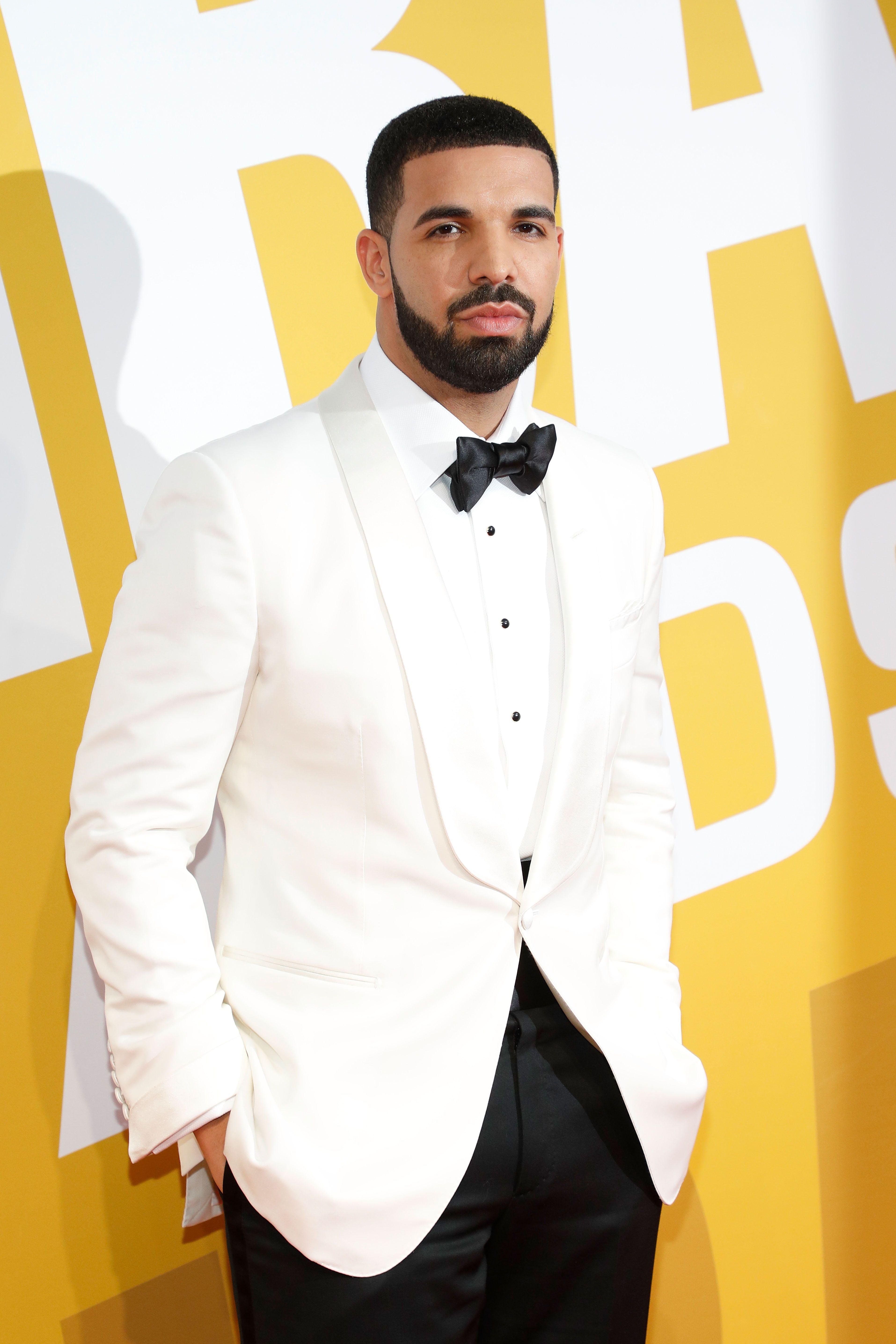 Drake Confirms He Has a Son in New Album Scorpion - Drake Confirms