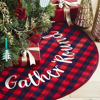 Christmas Crate And Barrel.Gather Round Tree Skirt