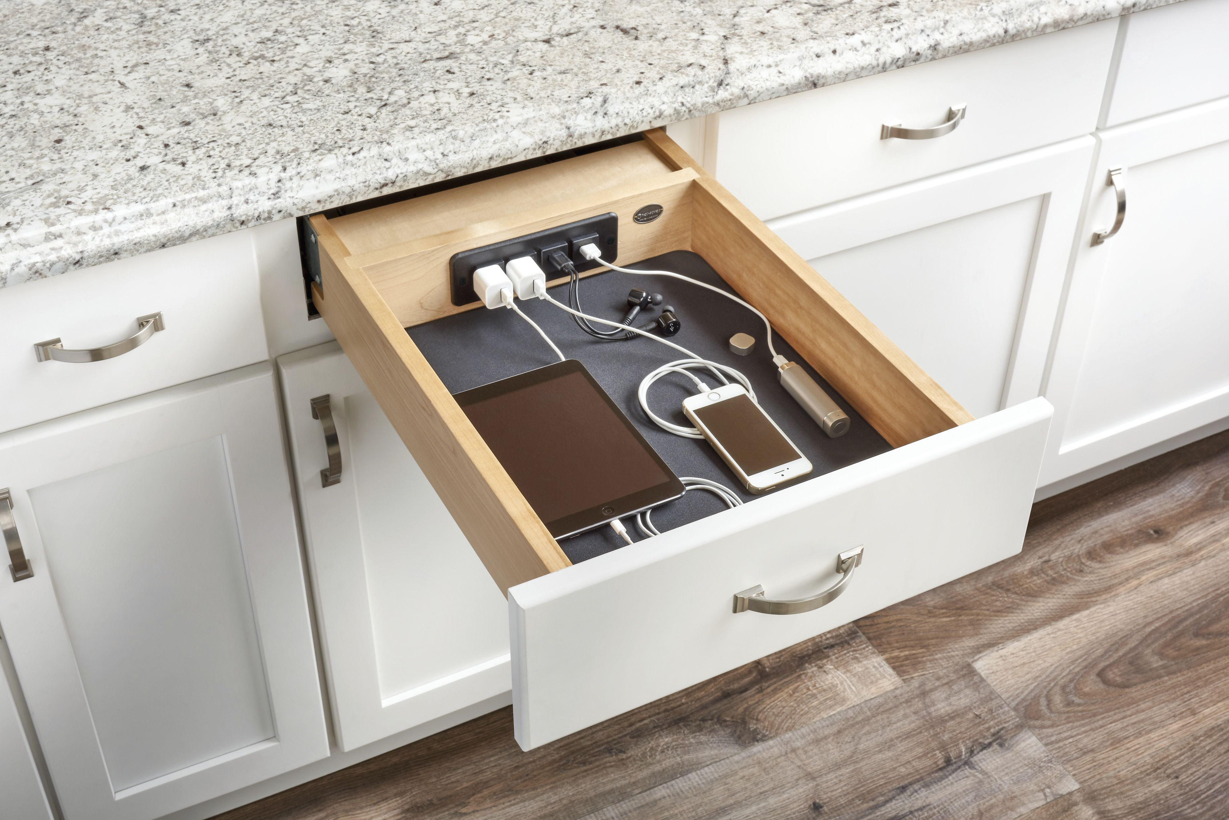 16 Best Kitchen Cabinet Drawers Clever Ways To Organize Kitchen Drawers