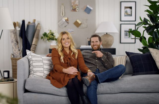 dream home makeover   shea and syd mcgee of studio mcgee from episode 2 of dream home makeover cr courtesy of netflixnetflix © 2020