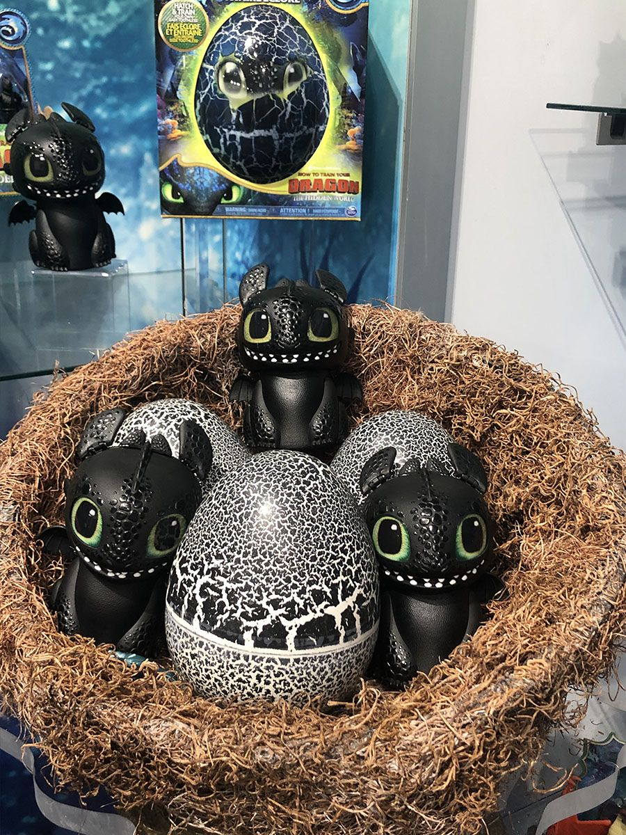 The Hatching Baby Toothless Is The Perfect Gift For Your Aspiring Hiccup