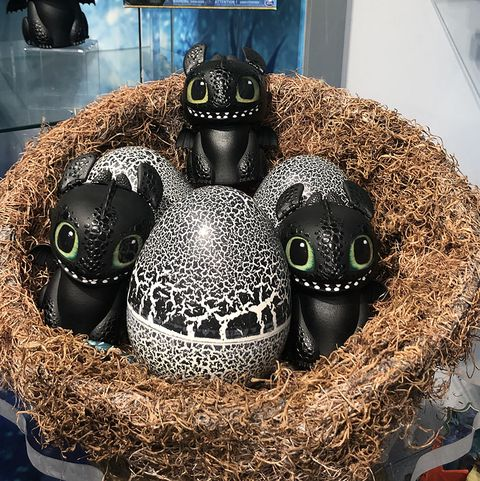 Dreamworks How to Train Your Dragon Hatching Baby Toothless