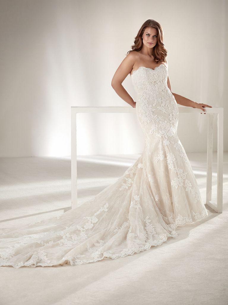 301b08b4bb Pronovias lanza una línea de vestidos de novia para tallas grandes que nos  ha enamorado