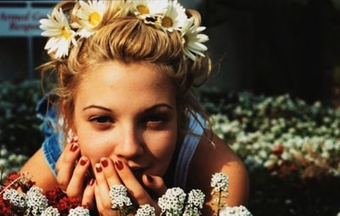 Hair, Beauty, Headpiece, Photography, Hair accessory, Adaptation, Happy, Headgear, Plant, Flower,
