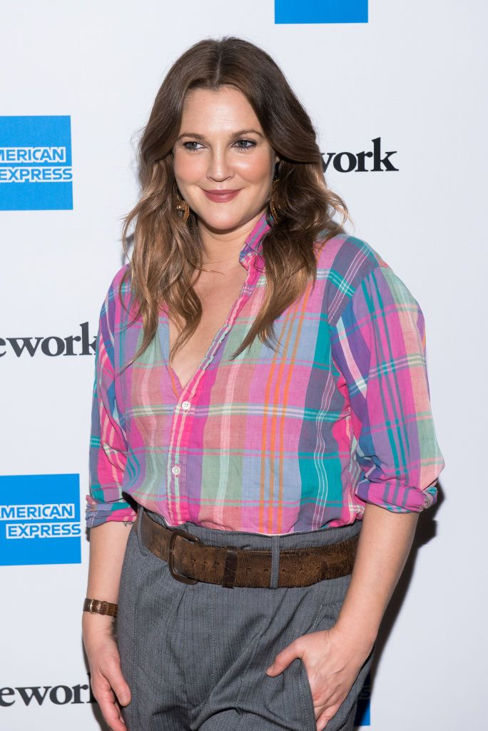 """Drew Barrymore Shared the Anti-Aging Face Oils That """"Truly Hydrate"""" Her Skin"""