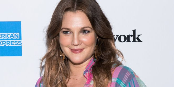 Drew Barrymore Says These Anti-Aging Face Oils