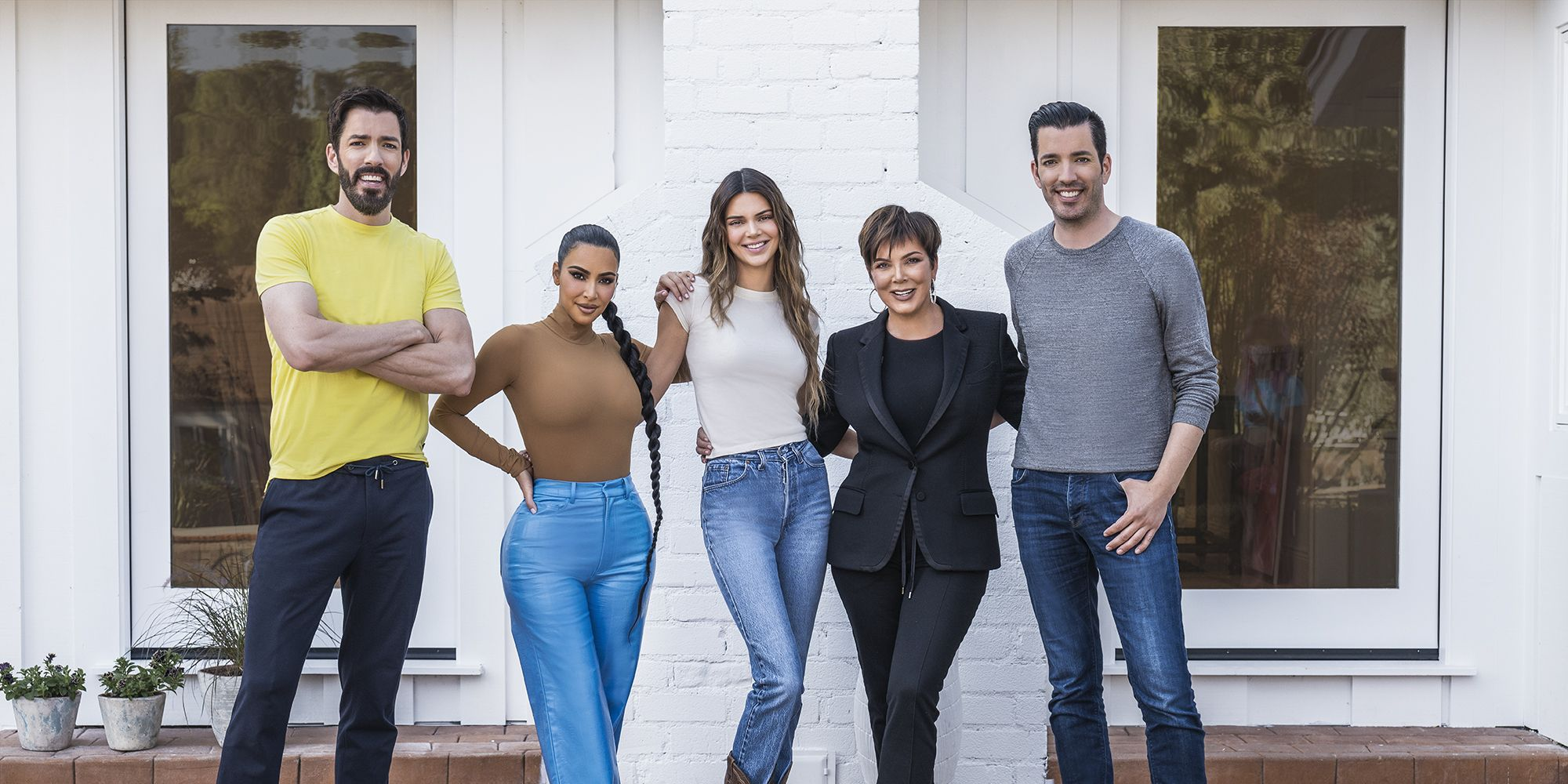 Photo of Kris Jenner, Kim Kardashian, and Kendall Jenner Team Up With Drew and Jonathan Scott on an Epic Yard Makeover