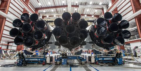 spacex-falcon-heavy-assembled.jpg