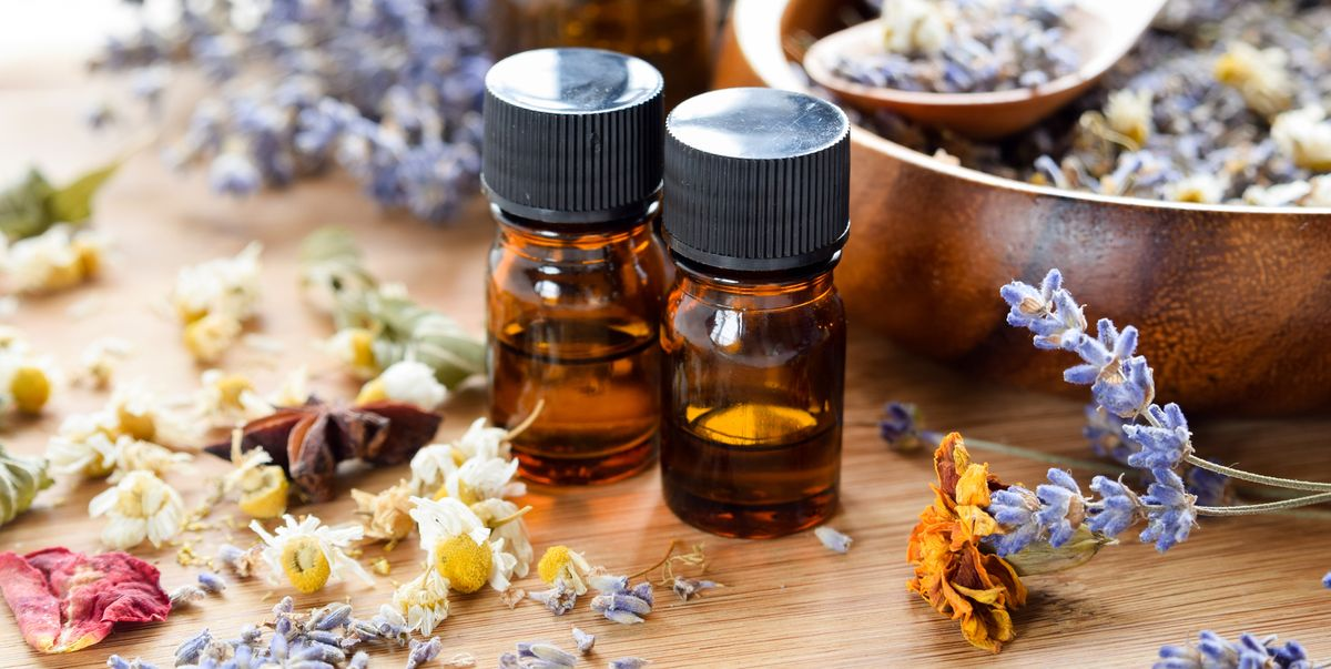 Should You Be Using Essential Oils for Acne? Here's What You Need to Know