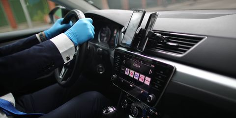 cabify installs protective screens on all its vtcs