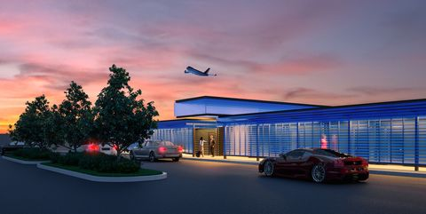 LAX Airport- Paparazzi Free Terminal