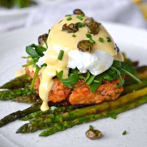 salmon cake eggs benedict recipe
