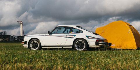 Land vehicle, Vehicle, Car, Regularity rally, Coupé, Porsche 911 classic, Rim, Automotive design, Sports car, Porsche 930,