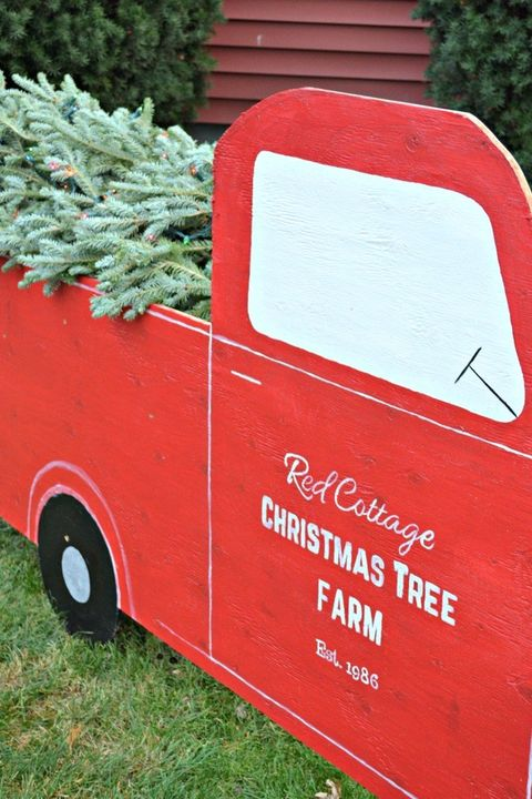 Old Red Truck With Christmas Tree In Back.50 Best Outdoor Christmas Decorations Christmas Yard