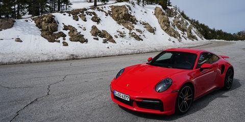 2021 Porsche 911 Turbo S looks good even when parked