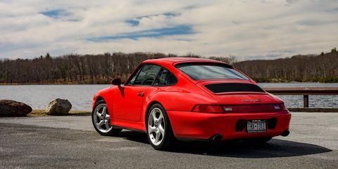 Porsche 911 993 generation red